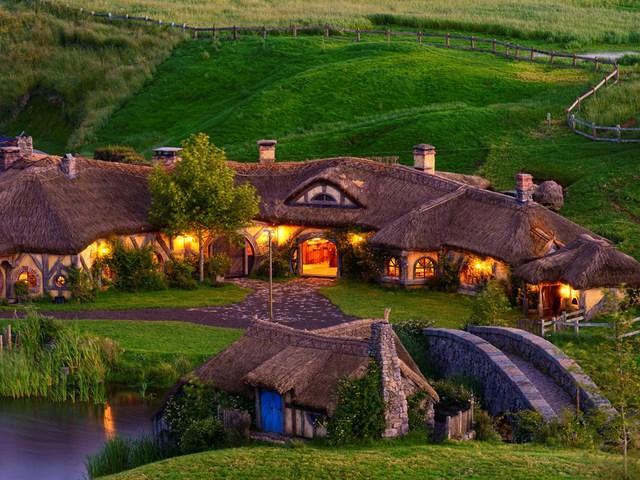 """Utazási """"ajánlatunk"""": Sörözzünk Hobbitfalván, és fagyizunk az Abszol úton! - 1.rész"""