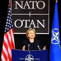 Hillary Clinton jobb Magyarországnak