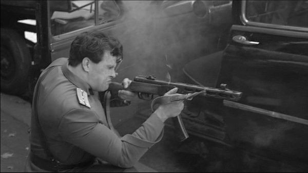 avh_officer_fires_a_ppsh-41_retus.jpg
