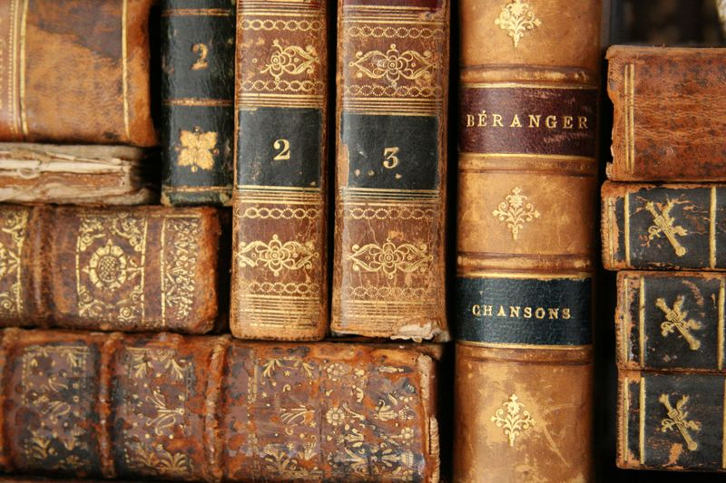 antique_books_1389308281.jpg_800x533