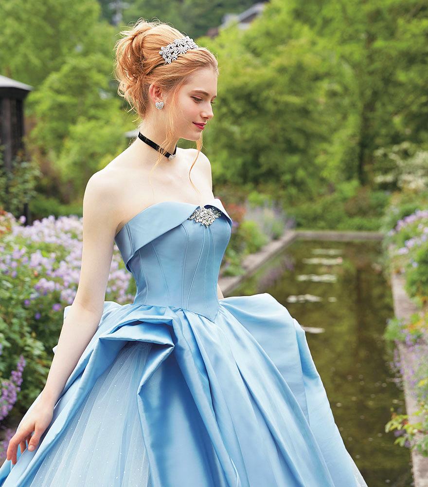 Képzeld el, milyen érzés lenne Hamupipőke mesés báli ruhájában férjhez menni!