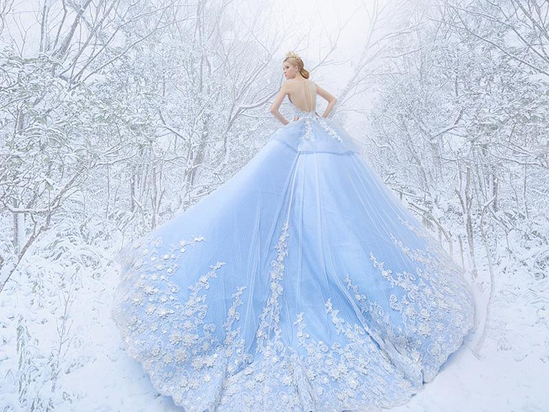 Szintén a Disney hercegnői ihlették ezt a csodaszép jégkirálynőruhát, melyet a Royal Wed adott ki.