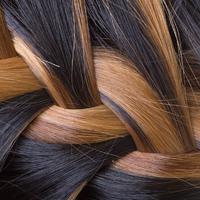 2 perces félkonty nőies fonással, ha már nem friss a hajad