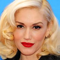 Gwen Stefani arca nemcsak a retustól olyan művi: szörnyű, mit tett magával a 48 éves énekesnő