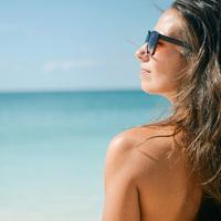 Így ápold az arcod, mielőtt nyaralni mész - A kozmetikusmester tippjei