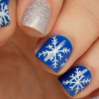 Így készíts hibátlan hópelyhet a körmödre - Lépésről lépésre