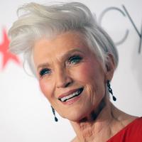 Ettől olyan karcsú a 70 éves modell: elárulta kortalan szépségének titkát