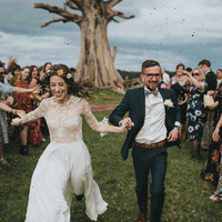 Sírósak, nevetősek és viccesek: a legjobb esküvői fotók 2017-ből