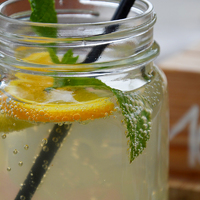 Segít a zsírbontásban, és megvéd a téli betegségektől - Így turbózd fel a szimpla vizet!