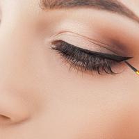 Így fesd ki a szemed, ha lelógó szemhéjad van - Nem tűnsz többé morcosnak