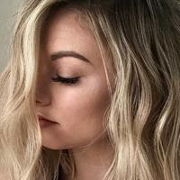 Laza hullámok hajvasalóval, nagyon egyszerűen: még forgatni sem kell