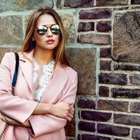 Így öltözz nőiesen, ha az átlagosnál is kisebb vagy