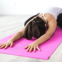Csak napi 10 perc, és nem fulladsz ki: lassú jógagyakorlatokkal is lehet fogyni