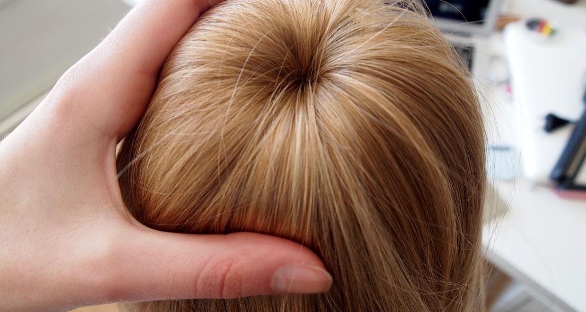 A tökéletes, rendezett konty titka: így készítsd, ha hosszú a hajad