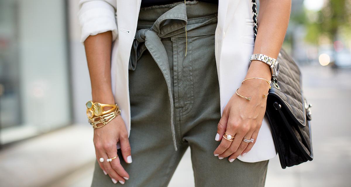 Így viseld a magas derekú nadrágot idén: ennél nőiesebbet rég láttunk!