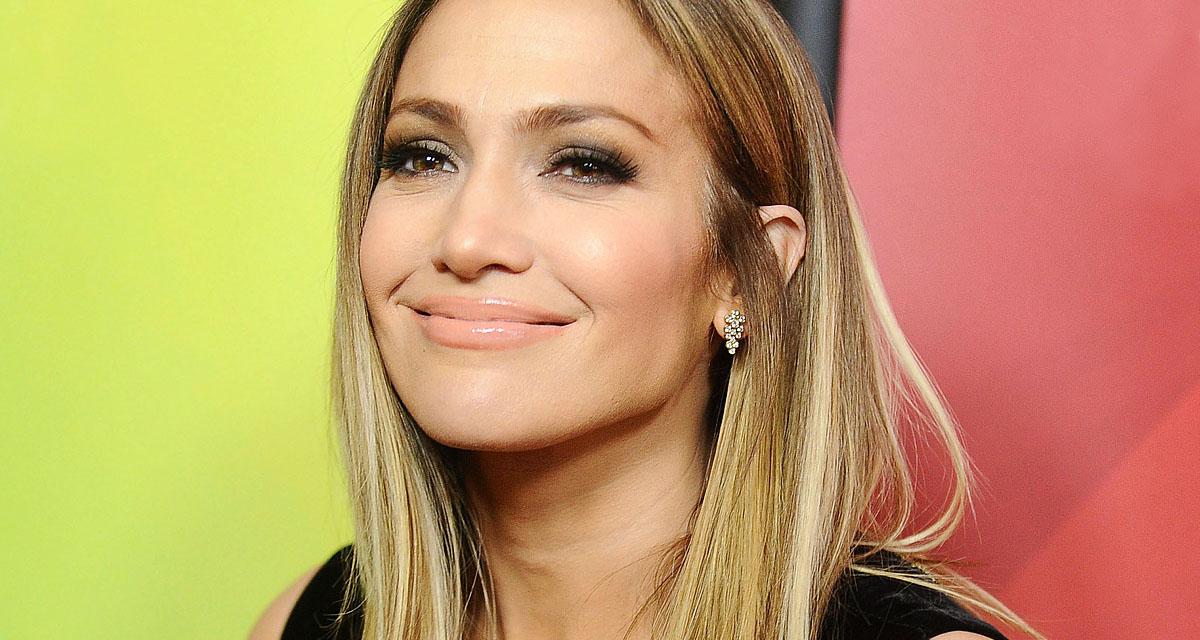 Jennifer Lopez orra nem stimmel a címlapon: valamit nagyon elbaltáztak