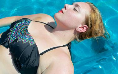 Mostantól te is így fogod mosni a fürdőruhát: egyszerű módszer kinyúlás ellen