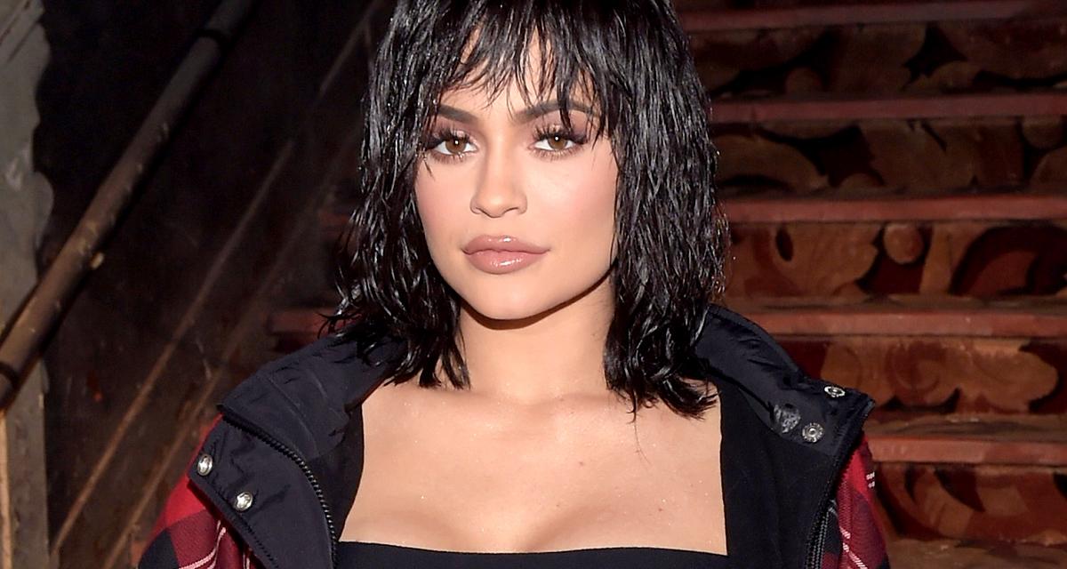Kylie Jenner ujját kérte a körmére, megkapta