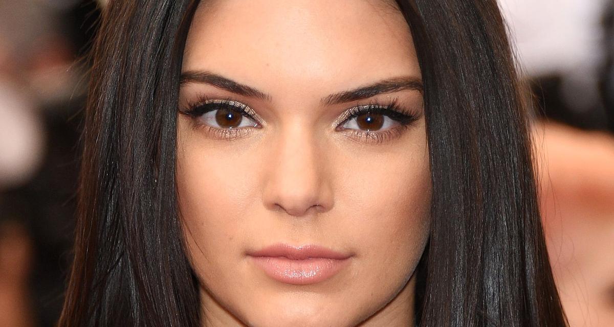 Ennél több Photoshopot már nem bírt el Kendall Jenner fotója: olyan, mint akit megrajzoltak
