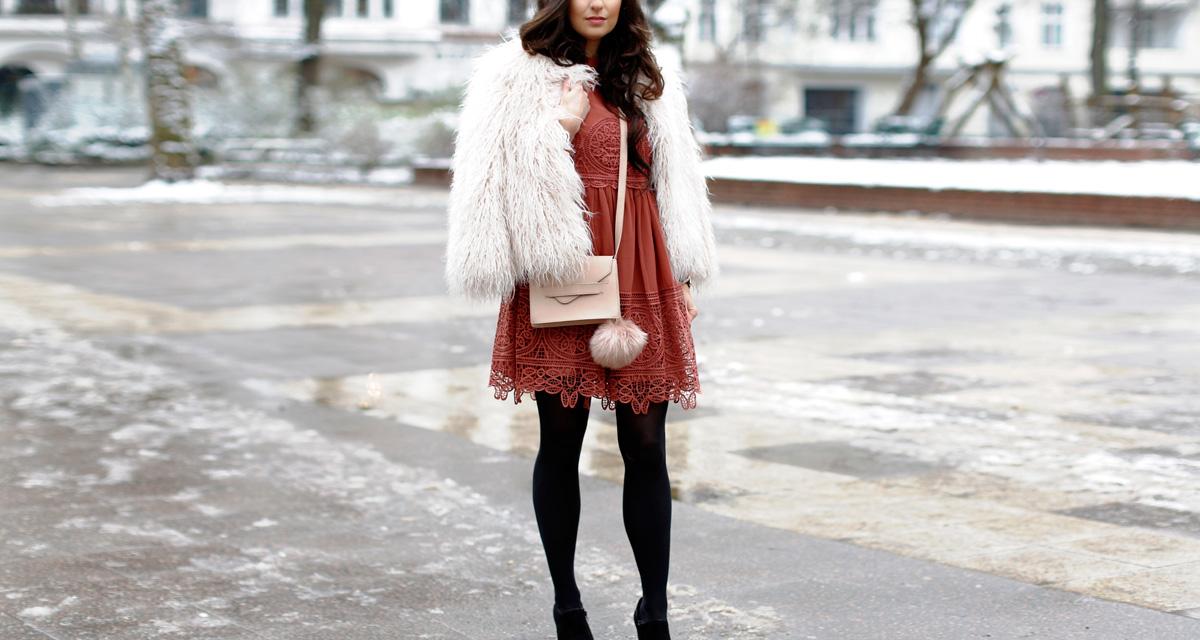 Így viseld a csipkét télen: nőies és stílusos szettek