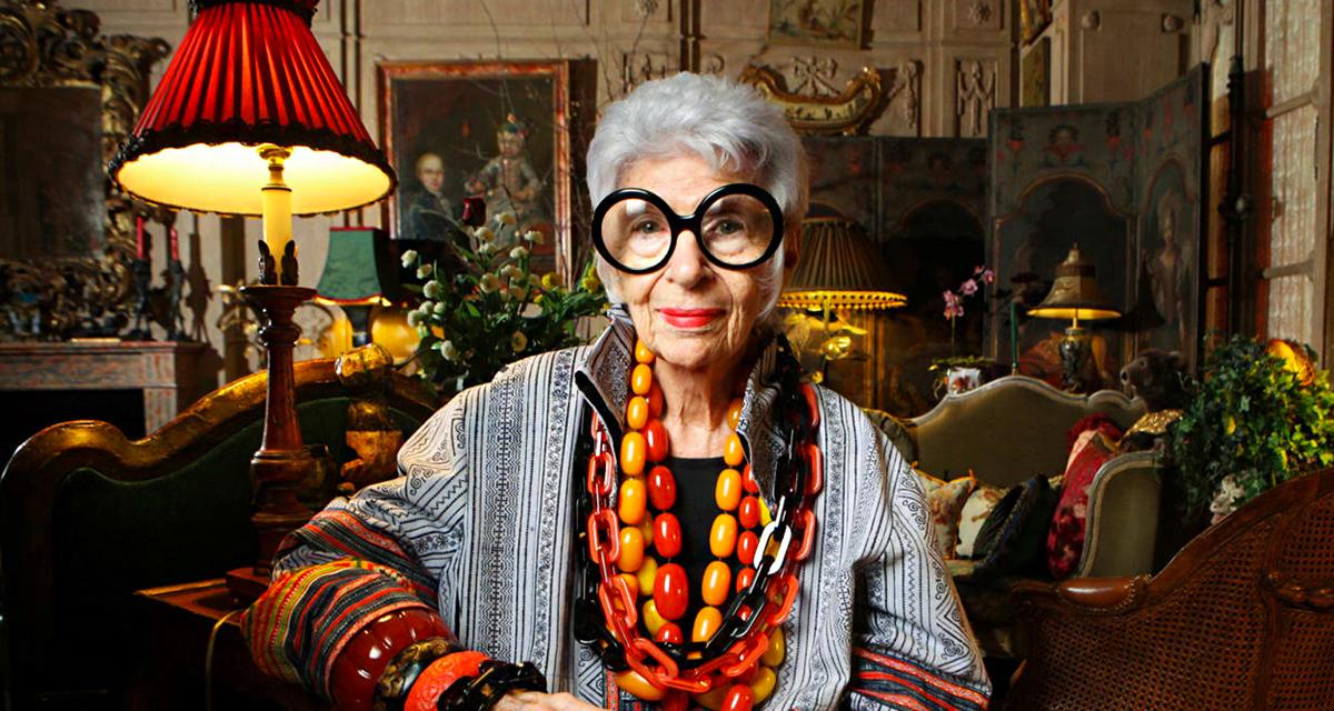 96 éves divatikon: színes stílusát tükrözi a róla készült, menő Barbie