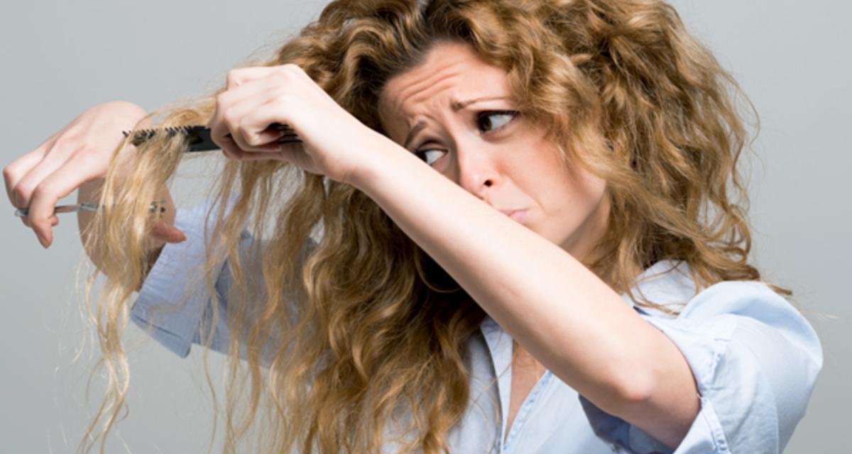 Kócos lesz a frizurád, ha vizes hajjal alszol el? Egy trükk, ami segít