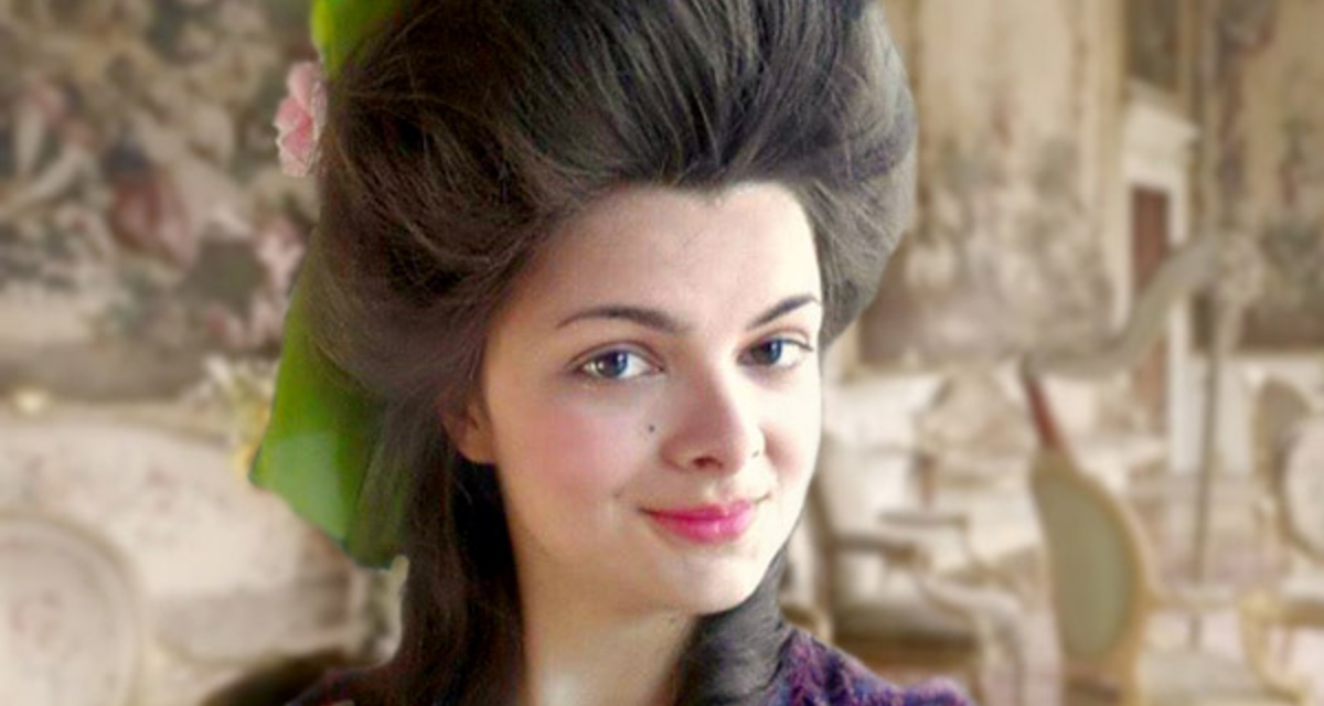 Így sminkeltek a nők több száz éve: a videós lány megmutatja