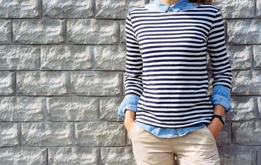 Így öltözz fel, ha széles a vállad, és fiús a csípőd - A stylist tippjei segítenek