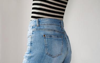 Így mosd ki a nadrágot, ha szűk, ha kinyúlt, ha ereszti a színét