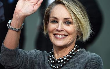 9 elképesztően csinos nő 50 év felett, akik miatt még ma elkezdünk tornázni