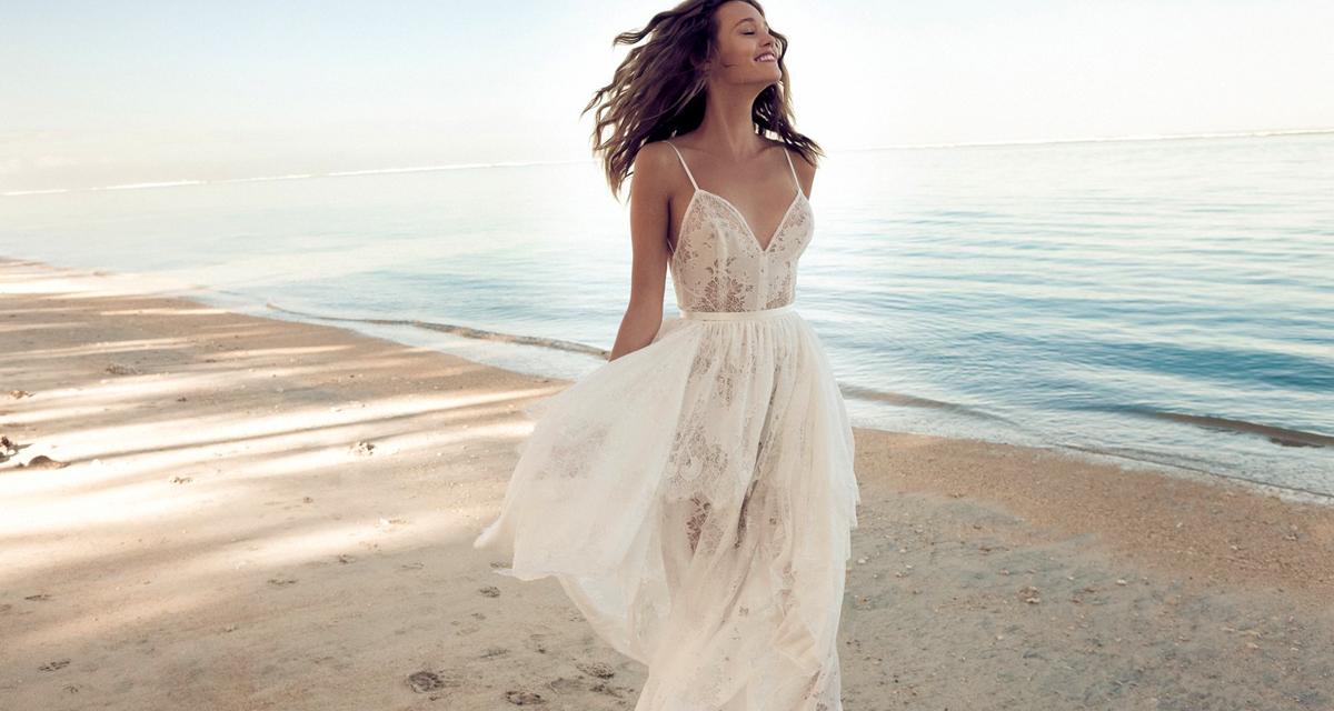 Bohém esküvői ruhák az óceán szerelmeseinek, magyar tervezőtől