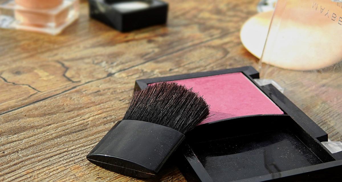 Milyen tónusú a bőröd? Mutatjuk, melyik pirosítótól lesz gyönyörű