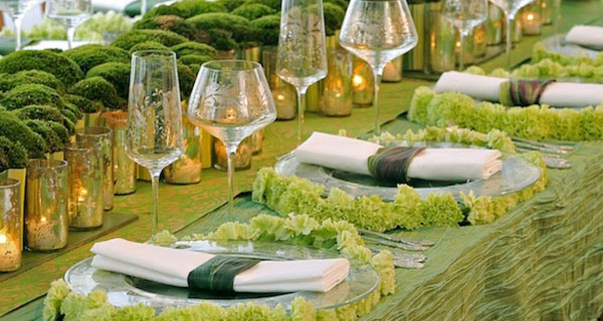 Így használd az év színét az esküvőn: divatos és romantikus