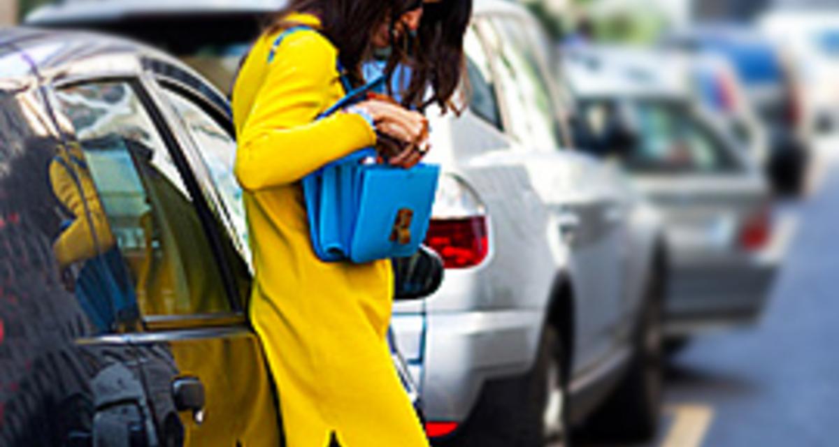 Fiatalító sárga: így viselik az utcán mások - Képes összeállítás