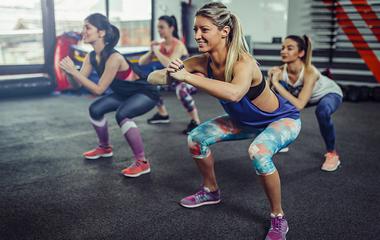 30 perces alakformáló edzés otthon: ettől olyan formásak a Victoria's Secret modelljei