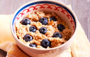 Ezt edd minden reggel, és lapos lesz a hasad! Ízletes, éhségűző finomság