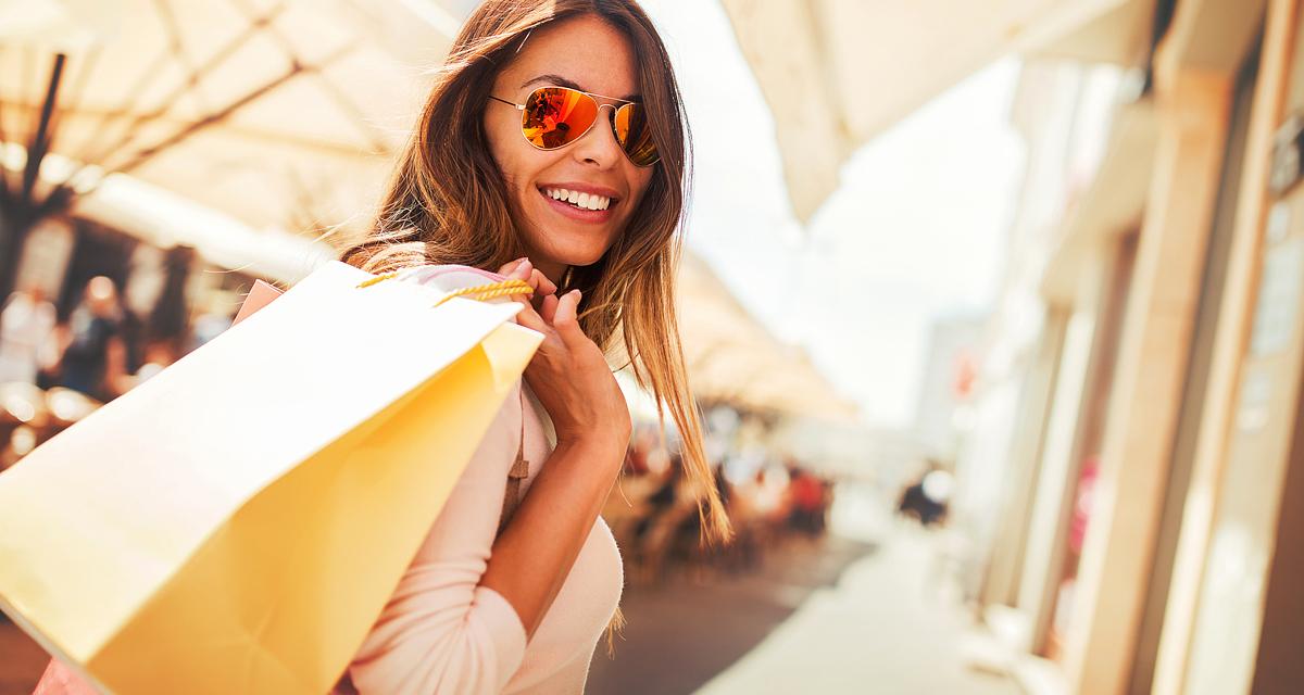 Most nagyon olcsók: 8 ruhadarab, amit érdemes beszerezni a leárazásokon