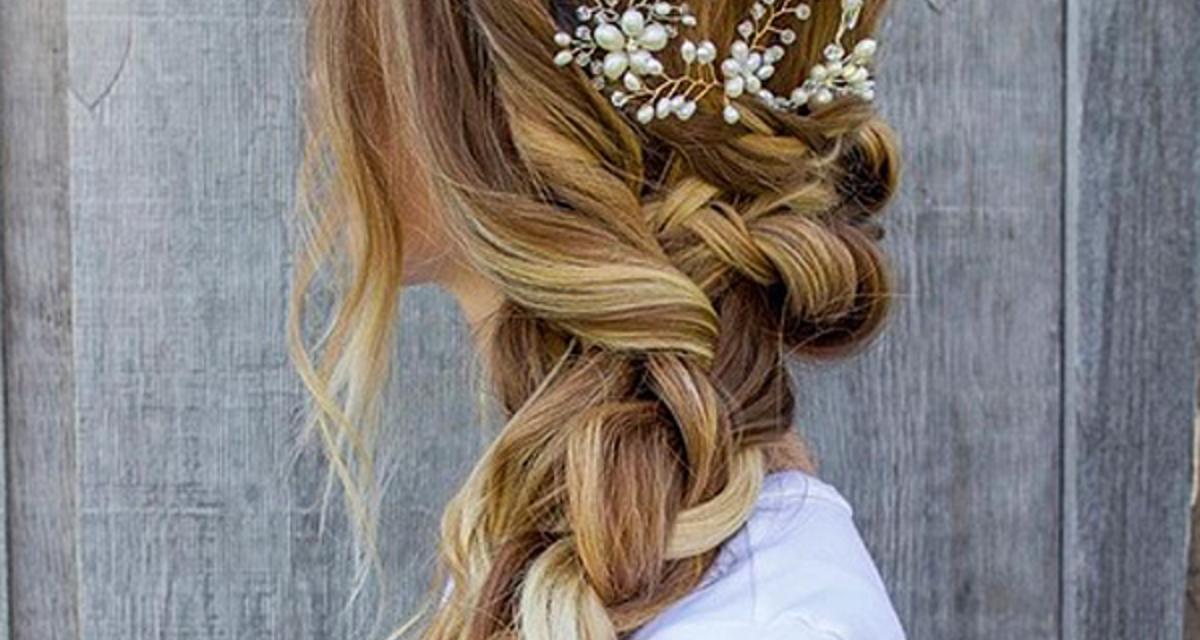 Ettől a fonástól hihetetlenül dúsnak tűnik a haj - Esküvőre is tökéletes