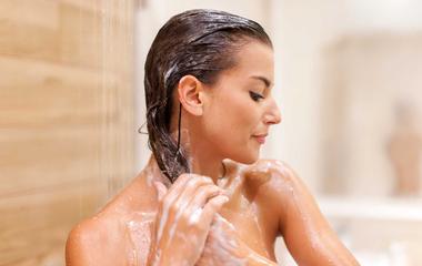 Csodás, házi sampon sűrű hajmosáshoz: nincsenek benne kemikáliák