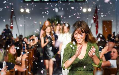 Imád és tud is öltözködni: a műsorvezető szuper kollekcióval állt elő