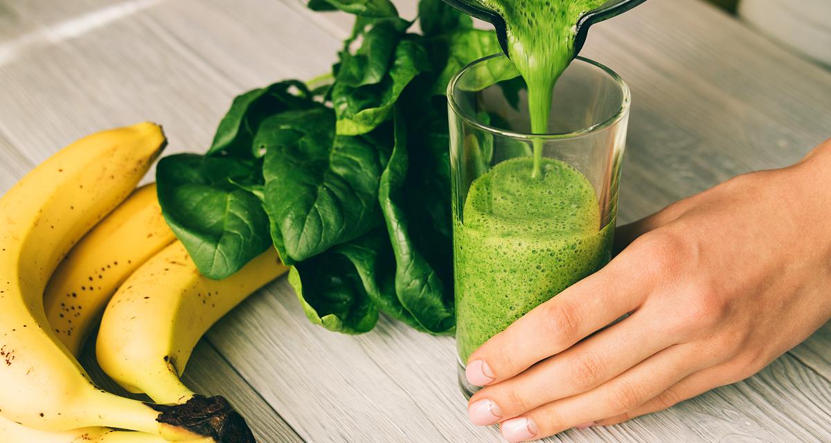Energiát ad a bőrnek és a hajnak, és még fogyni is lehet tőle: zöld turmix déligyümölcsökkel