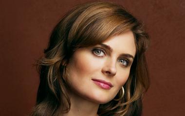 6 szögletes arcú híresség, aki mesterien trükközik a frizurájával