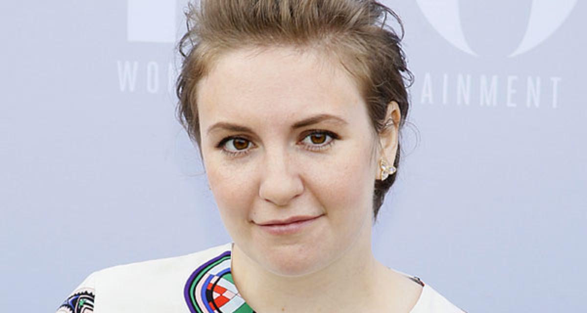 Fehérneműben mutatta meg magát a duci színésznő - Nem szégyelli telt idomait