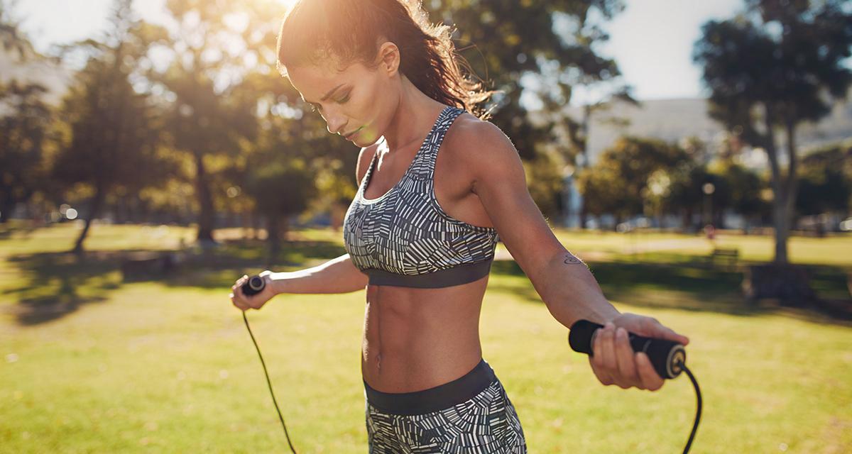 13 ok, amiért érdemes venned egy ugrókötelet: napi 10 perc, és leolvad a zsír