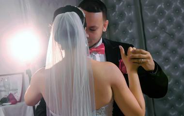 Így vészeld át az esküvőt, ha menyasszonyként nem szeretsz táncolni