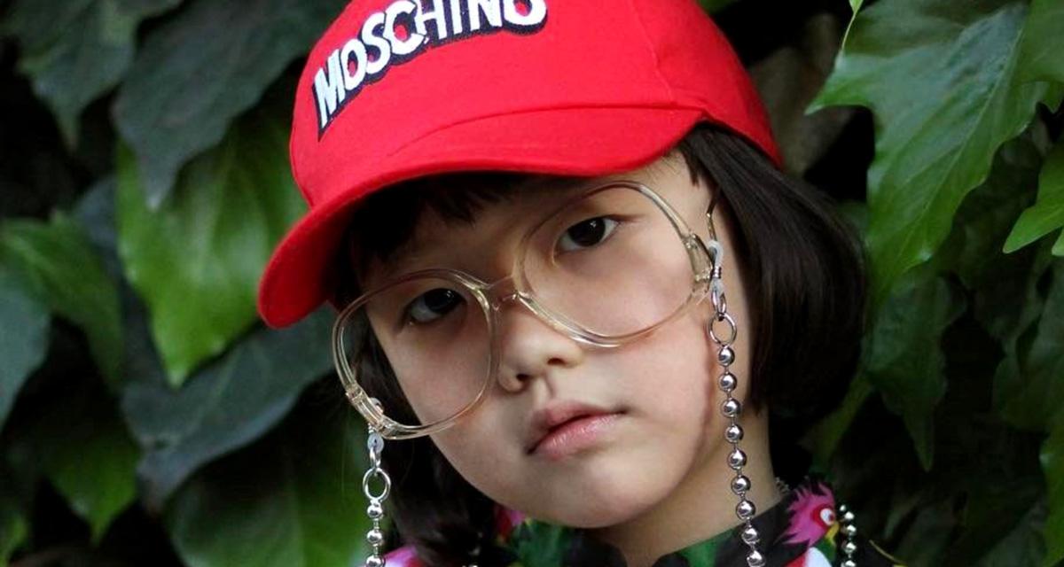 A 6 éves, divatőrült kislány fotóit imádja az Instagram: félmillióan követik