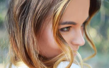 7 ultranőies frizura, amitől dúsnak hat a vékony szálú haj
