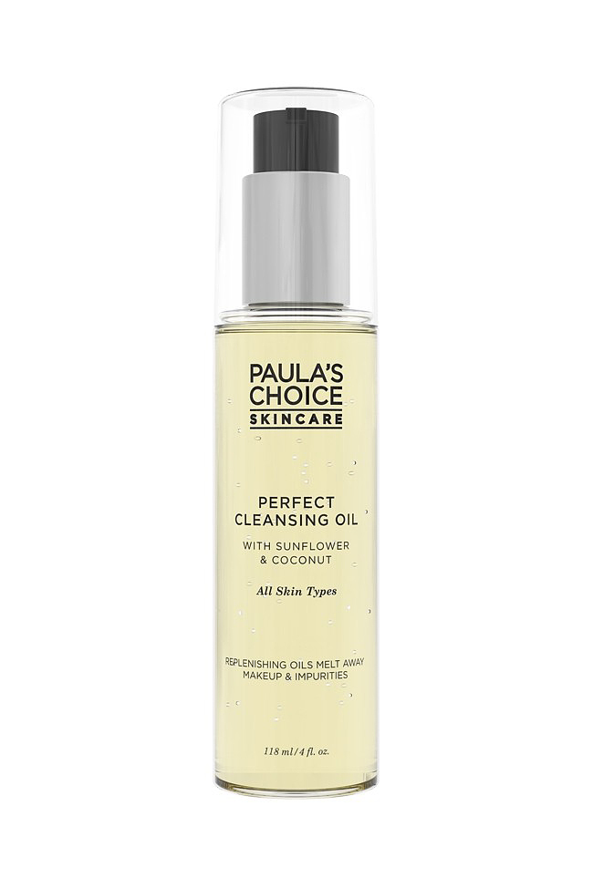 A <a href='https://skinsmart.hu/perfect-cleansing-oil.html'_blank'>Paula's Choice Skincare</a> olajos arclemosója ötféle természetes olajat tartalmaz: megvédi a bőrt a szennyeződésektől és a káros környezeti hatásoktól a napraforgó, kókusz, jojoba, szőlőmag és fehér tajtékvirág kivonatának erejével. Könnyen és gyorsan eltávolítja még a vízálló sminket is, ráadásul illat- és színezékmentes. Az ára: 8390 forint.
