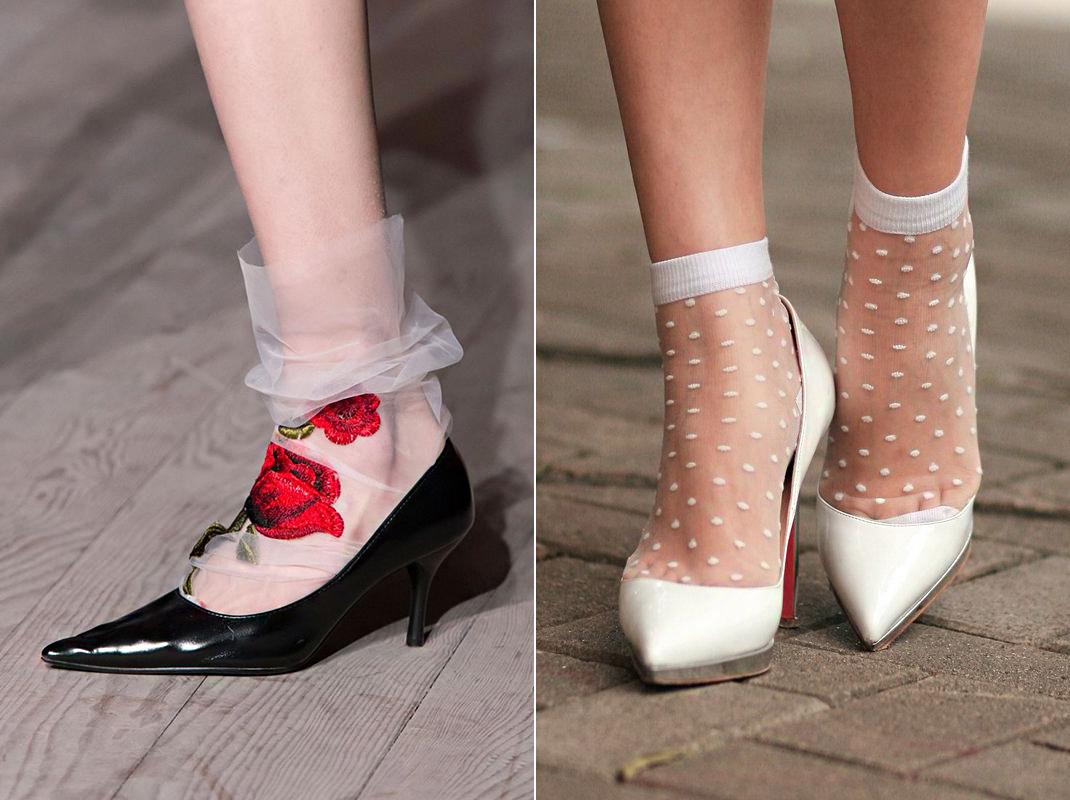 Az ötvenes-hatvanas évek trendjét elevenítik fel ezek a körömcipőbe húzott, kislányosan romantikus zoknifélék.