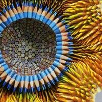 Szúrós szobrok ceruzából